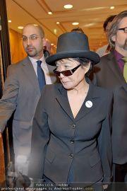 Yoko Ono PK - Hotel Sacher - Fr 02.03.2012 - 10