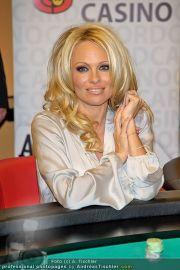 Pamela Anderson - Lugner City - Mo 05.03.2012 - 29
