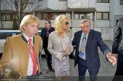Pamela Anderson - Lugner City - Mo 05.03.2012 - 4