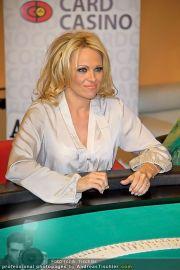 Pamela Anderson - Lugner City - Mo 05.03.2012 - 88