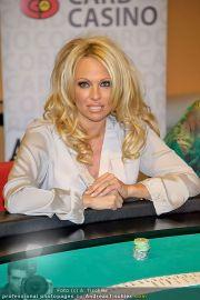 Pamela Anderson - Lugner City - Mo 05.03.2012 - 92