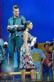 Grease Premiere - Wiener Stadthalle - Di 06.03.2012 - 41