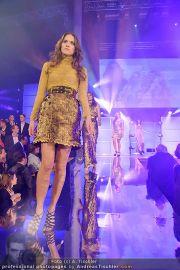 Austria´s next Topmodel 2 - Platinum Tower - So 11.03.2012 - 39