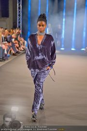 Fashion Night Modenschau - Michaelaplatz - Do 14.06.2012 - 41