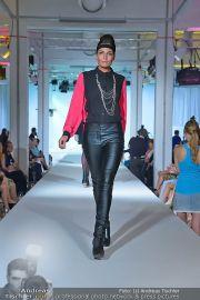 Jones Fashionshow - MGC Messe - Mo 10.09.2012 - 12