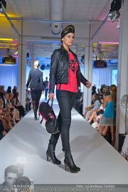 Jones Fashionshow - MGC Messe - Mo 10.09.2012 - 15