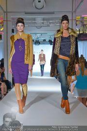 Jones Fashionshow - MGC Messe - Mo 10.09.2012 - 17
