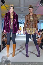 Jones Fashionshow - MGC Messe - Mo 10.09.2012 - 19