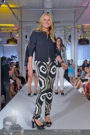 Jones Fashionshow - MGC Messe - Mo 10.09.2012 - 2