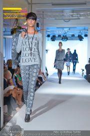 Jones Fashionshow - MGC Messe - Mo 10.09.2012 - 32