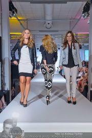 Jones Fashionshow - MGC Messe - Mo 10.09.2012 - 5