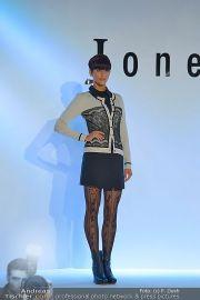 Jones Fashionshow - MGC Messe - Mo 10.09.2012 - 50