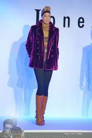 Jones Fashionshow - MGC Messe - Mo 10.09.2012 - 59