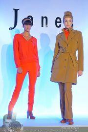 Jones Fashionshow - MGC Messe - Mo 10.09.2012 - 66
