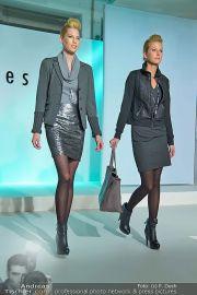 Jones Fashionshow - MGC Messe - Mo 10.09.2012 - 74