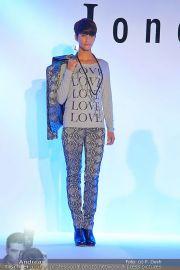 Jones Fashionshow - MGC Messe - Mo 10.09.2012 - 79