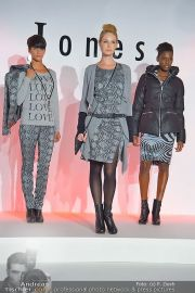 Jones Fashionshow - MGC Messe - Mo 10.09.2012 - 80