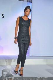 Jones Fashionshow - MGC Messe - Mo 10.09.2012 - 81