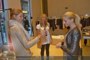 Ruby Shopping - Elisabetta Franchi - Do 04.10.2012 - 18