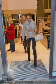 Ruby Shopping - Elisabetta Franchi - Do 04.10.2012 - 20