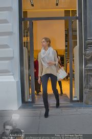 Ruby Shopping - Elisabetta Franchi - Do 04.10.2012 - 22