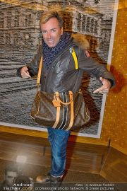 LV Opening - Louis Vuitton Store - Sa 24.11.2012 - 57