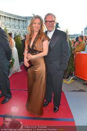 Romy Gala - Red Carpet - Hofburg - Sa 21.04.2012 - 10