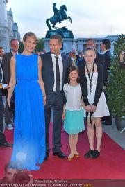 Romy Gala - Red Carpet - Hofburg - Sa 21.04.2012 - 106