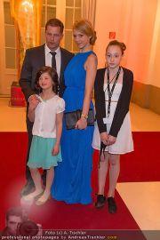 Romy Gala - Red Carpet - Hofburg - Sa 21.04.2012 - 108