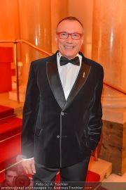 Romy Gala - Red Carpet - Hofburg - Sa 21.04.2012 - 109