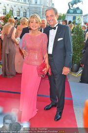 Romy Gala - Red Carpet - Hofburg - Sa 21.04.2012 - 13