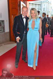 Romy Gala - Red Carpet - Hofburg - Sa 21.04.2012 - 16