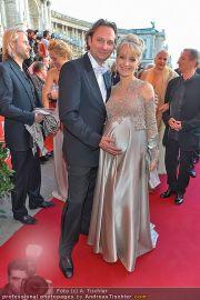 Romy Gala - Red Carpet - Hofburg - Sa 21.04.2012 - 18