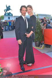 Romy Gala - Red Carpet - Hofburg - Sa 21.04.2012 - 20