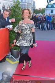 Romy Gala - Red Carpet - Hofburg - Sa 21.04.2012 - 21