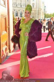 Romy Gala - Red Carpet - Hofburg - Sa 21.04.2012 - 24