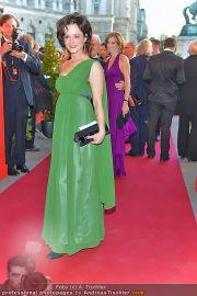 Romy Gala - Red Carpet - Hofburg - Sa 21.04.2012 - 40