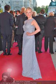 Romy Gala - Red Carpet - Hofburg - Sa 21.04.2012 - 44