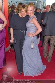 Romy Gala - Red Carpet - Hofburg - Sa 21.04.2012 - 45