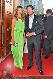 Romy Gala - Red Carpet - Hofburg - Sa 21.04.2012 - 46