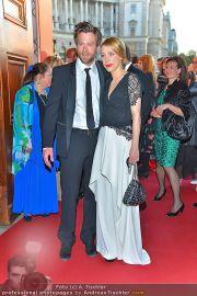 Romy Gala - Red Carpet - Hofburg - Sa 21.04.2012 - 50