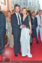 Romy Gala - Red Carpet - Hofburg - Sa 21.04.2012 - 51