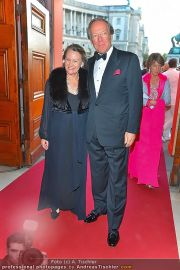 Romy Gala - Red Carpet - Hofburg - Sa 21.04.2012 - 57