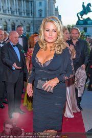 Romy Gala - Red Carpet - Hofburg - Sa 21.04.2012 - 58