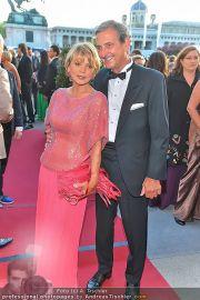 Romy Gala - Red Carpet - Hofburg - Sa 21.04.2012 - 59