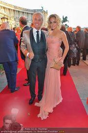 Romy Gala - Red Carpet - Hofburg - Sa 21.04.2012 - 60