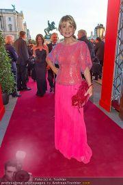 Romy Gala - Red Carpet - Hofburg - Sa 21.04.2012 - 62