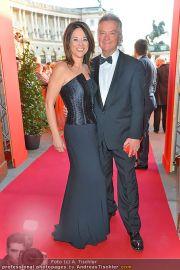 Romy Gala - Red Carpet - Hofburg - Sa 21.04.2012 - 63