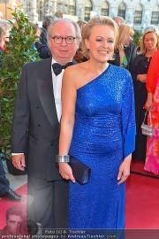 Romy Gala - Red Carpet - Hofburg - Sa 21.04.2012 - 68