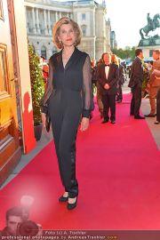 Romy Gala - Red Carpet - Hofburg - Sa 21.04.2012 - 7